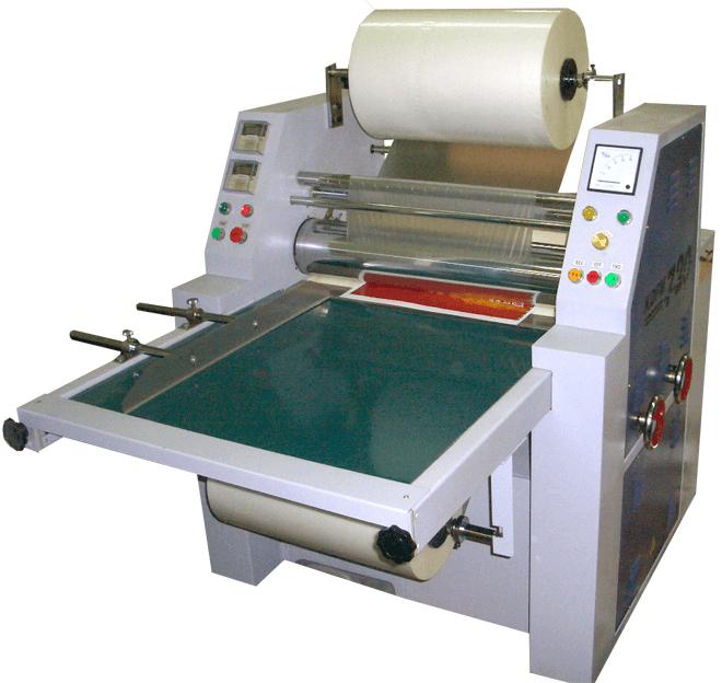 Оборудование для нанесения перфорации при перемоткею рулонов